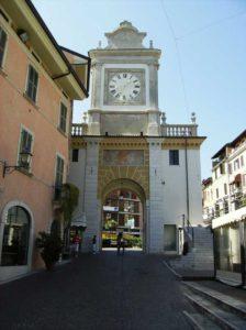 Tra le cose da vedere a Salò c'è la sua Torre dell'orologio